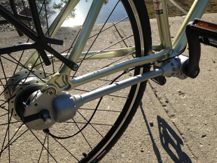 A quick look at Dynamic Bicycles' shaft-drive chainless bikes.